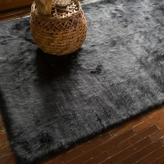 Jungle Black Faux Sheepskin Rug (2' x 3')