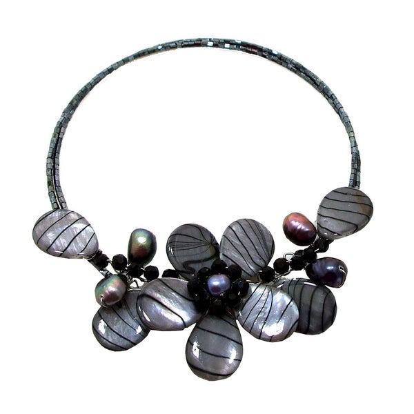Memory Wire Painted Mother of Pearl Flower Choker Necklace (Thailand)