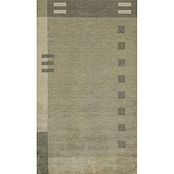 Hand-loomed Green Dots/ Dashes Wool Rug (7'6 x 9'6)