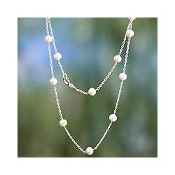 Sterling Silver 'Jaipur Moons' Pearl Necklace (6 mm) (India)