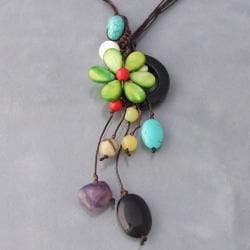 Handmade Drop Cluster Multistone Green Flower Pendant Necklace (Thailand)