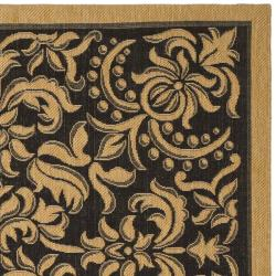 "Safavieh Indoor/Outdoor Black/Natural Area Rug (4' x 5'7"")"