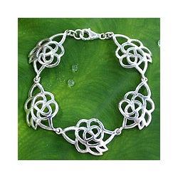 Sterling Silver 'Roses In Love' Flower Bracelet (Thailand)