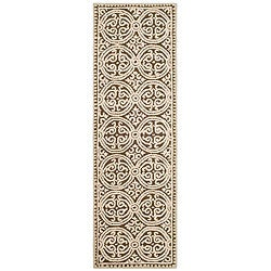Safavieh Handmade Moroccan Cambridge Brown Wool Rug (2'6 x 6')