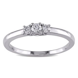 Haylee Jewels Sterling Silver 1/5ct TDW 3-Stone Diamond Ring (H-I, I2-I3)