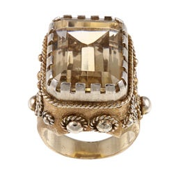 14k Yellow Gold and Quartz Grecian Estate Ring (Size 7)