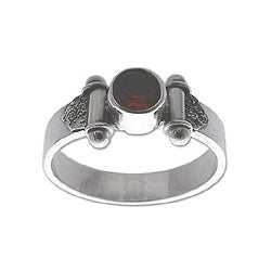 Sterling Silver 'Mystical Eye' Garnet Solitaire Ring (Indonesia)