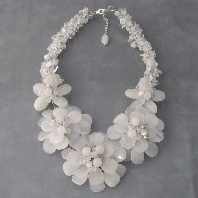 Sterling Silver Clear Quartz Five-flower Garland Necklace (Thailand)