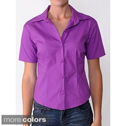 Journee Collection Women's 1/2-Sleeve Solid-Color Fitted Blouse