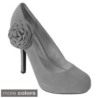 Bamboo by Journee Women's 'Office-34' Rosette Accent Platform Pump