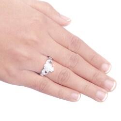 Sterling Silver 1/8ct TDW Diamond Claddagh Fashion Ring (H-I ,I3)