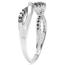 Malaika Sterling Silver 1/6ct TDW Blue Diamond Crossover Ring