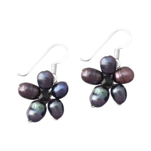 Sterling Silver Black Pearl Flower Earrings (3.6 mm) (Thailand)