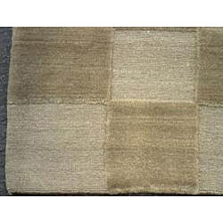 Nepalese Hand-knotted Green Tibetan-style Wool Rug (6' x 9')