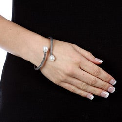 Pearls For You Sterling Silver White FW Pearl Bangle Bracelet (9-9.5 mm)