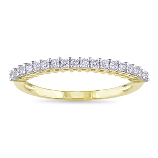 Miadora 10k Yellow Gold 1/5ct TDW Diamond Wedding Band (G-H, I2-I3) with Bonus Earrings