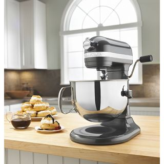 KitchenAid RKP26M1XPM Pearl Metallic 6-quart Pro 600 Bowl-Lift Stand Mixer (Refurbished) **plus Overstock $30 gift card**