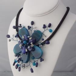 Blue Agate and Pearl Star Flower Necklace (3-5 mm) (Thailand)