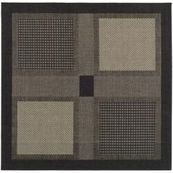 Indoor/ Outdoor Lakeview Black/ Sand Rug (6' 7 Square)