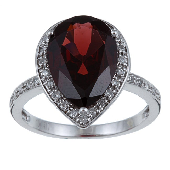 10k white gold garnet and 1 5ct tdw ring g h i1