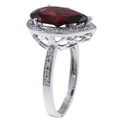 10k White Gold Garnet and 1/5ct TDW Diamond Ring (G-H, I1-I2)