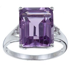 Viducci 10k White Gold Amethyst and 1/10ct TDW Diamond Ring (G-H,I1-I2)