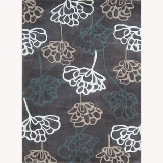 Hand-tufted Chalice Brown Floral Rug (5' x 7'6)