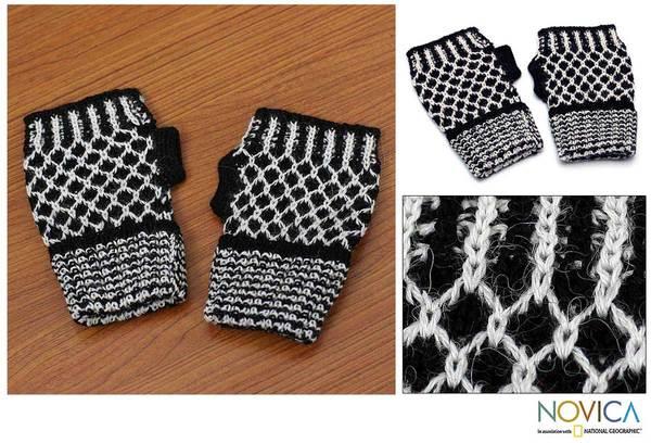 Alpaca Wool 'Tuxedo Honeycomb' Fingerless Gloves (Peru)