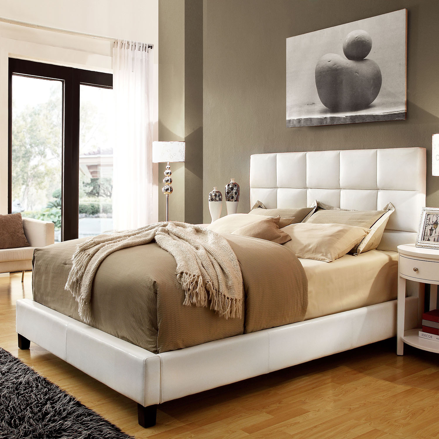 White Faux Leather Queen Size Bed 1500 x 1500