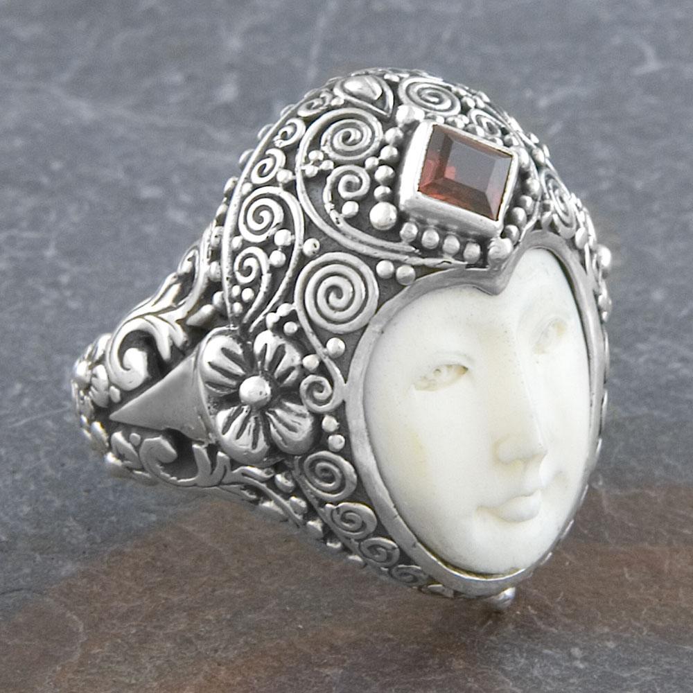 Sterling Silver Garnet 'Moon' Princess Ring (Indonesia)