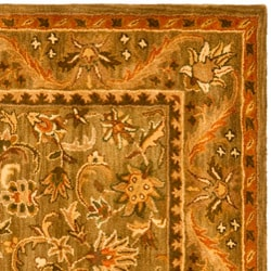Handmade Antiquities Kasadan Olive Green Wool Rug (6' Square)