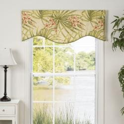 Amelia Shaped Valance