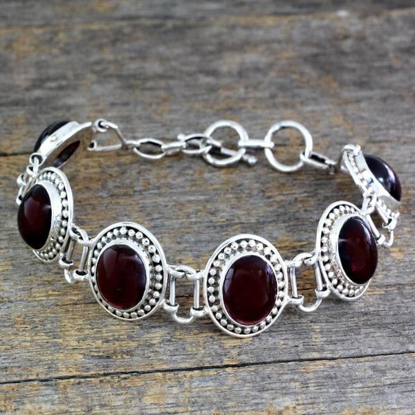 Sterling Silver 'Crimson Garland' Garnet Link Bracelet (India)