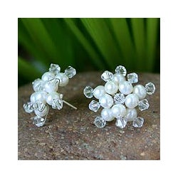 'Stars' Freshwater White Pearl Earrings (4 mm) (Thailand)