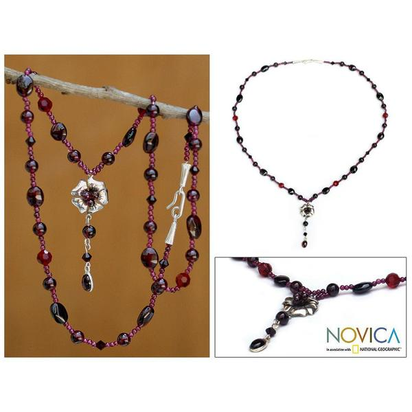 Sterling Silver 'Flower Fantasy' Garnet Necklace (Thailand) 7538827