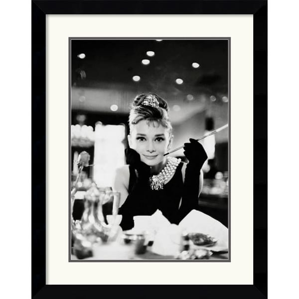 Audrey Hepburn - Breakfast at Tiffany's' Framed Art Print