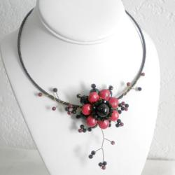 Red Coral and Black Onyx Floral Ray Choker Necklace (Thailand)