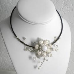 White Turquoise Pearl Floral Ray Choker Necklace (Thailand)