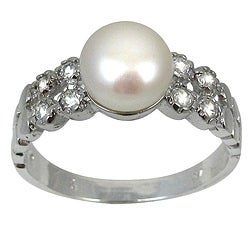 Silvertone White Freshwater Pearl and Cubic Zirconia Ring (7-8 mm)