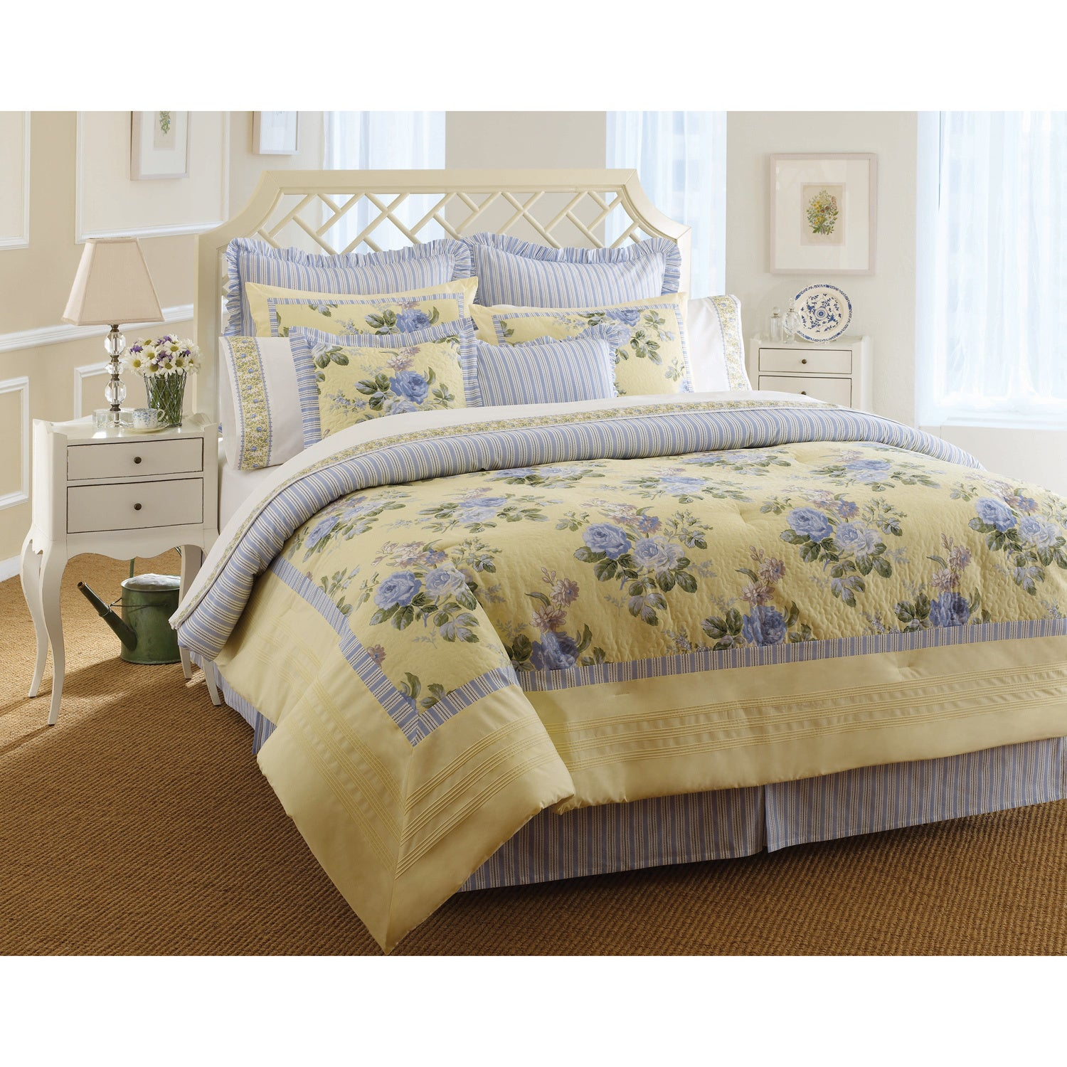 Laura Ashley Caroline 4-pc Comforter Set