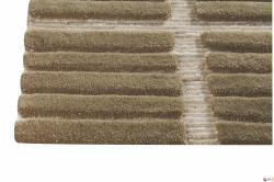 Hand-knotted Pian Beige Wool Rug (6'6 x 9'9)