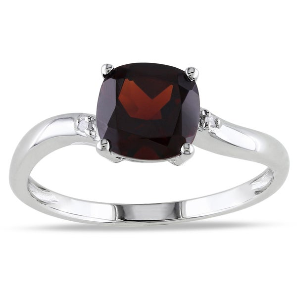 Miadora 10K White Gold Garnet and Diamond Accent Ring (G-H, I2-I3)