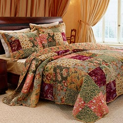 Antique Chic Queen-size 3-Piece Bedspread Set