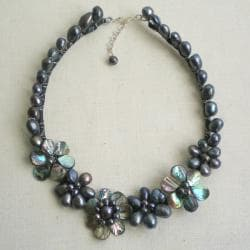 Sterling Silver Abalone Black Pearl Floral Necklace (6-17 mm) (Thailand)