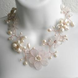 Quartz and Pearl Floral Necklace (6-15 mm) (Thailand)