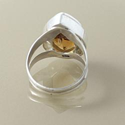 Sterling Silver Faceted Citrine Almond Drop Ring (Indonesia)