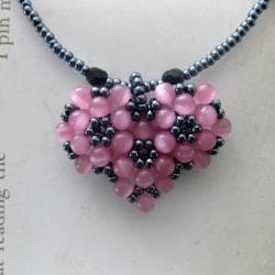 Pink Bead-woven Sweet Heart Necklace (USA)