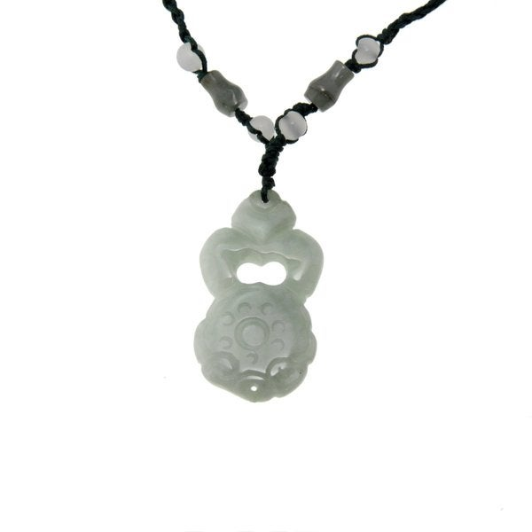 Hand-carved Jade Antique Design Necklace (China)