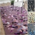 Handmade Alexa Pino Celebrations Confetti Burst Rug (5 &#39; x 8 &#39;)