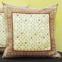 Cotton Hand-blocked 'Dhanya' Honeysuckle 18-inch Pillow Cover (India)